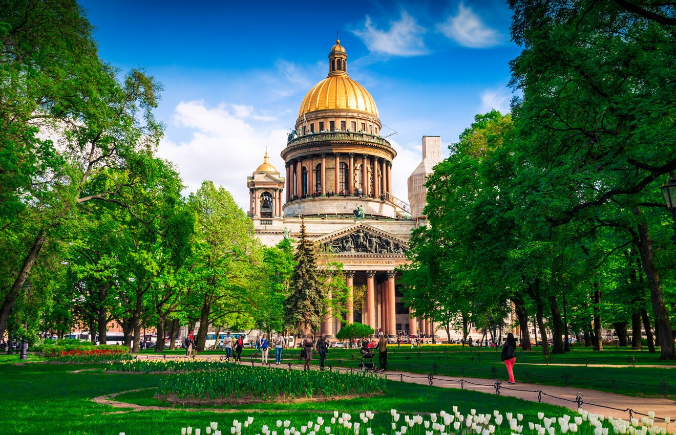 Non-Schengen Countries for Digital Nomads, St. Petersburg, Russia, Cathedral
