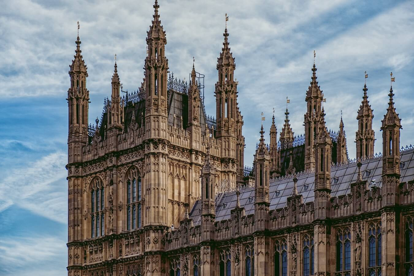 best-places-to-travel-may-england-london-houses-of-parliament-wifi-tribe